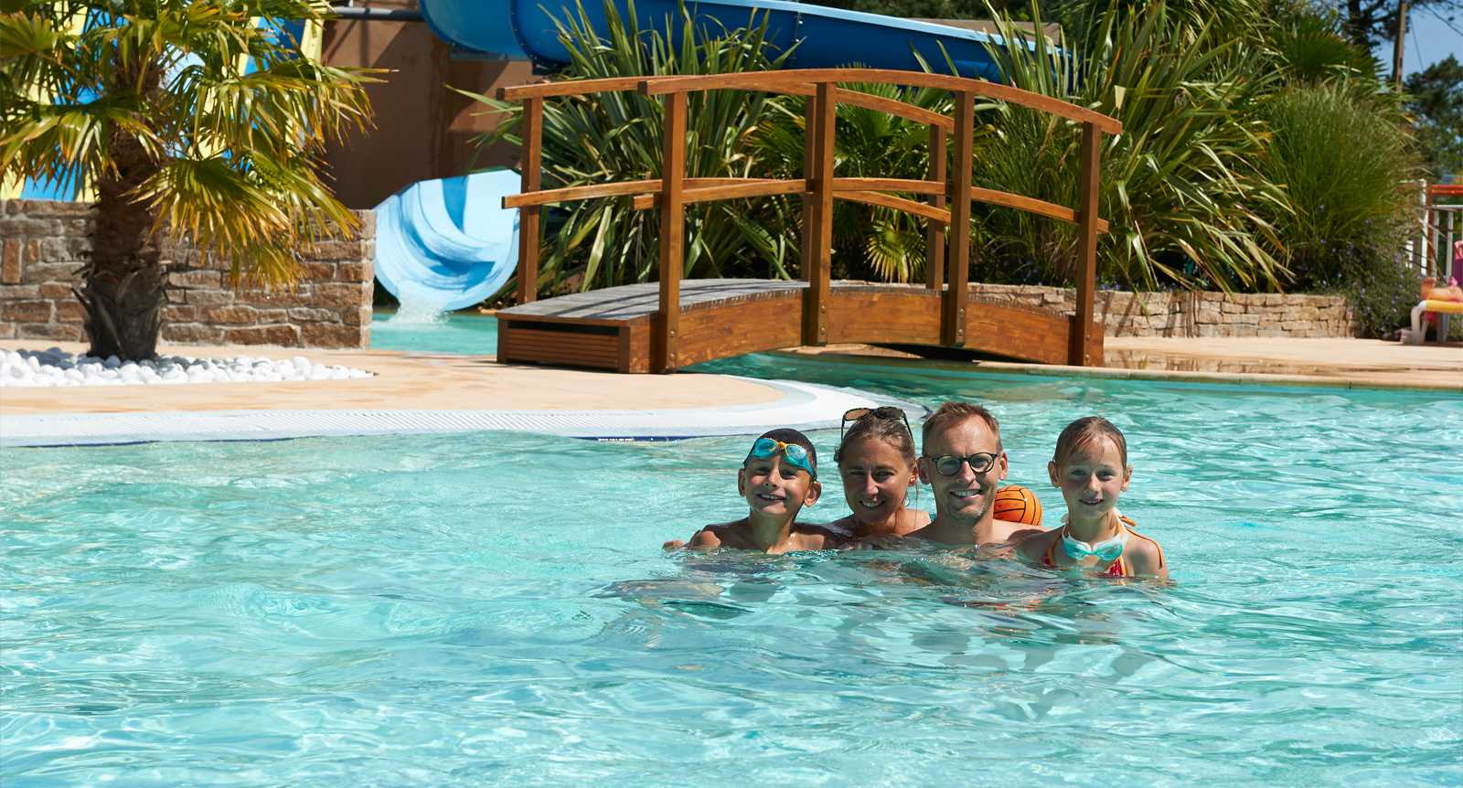 Camp Ground/holiday Park In Brittany By The Seaside   Camping De La Plage  De Cleut Rouz Fouesnant